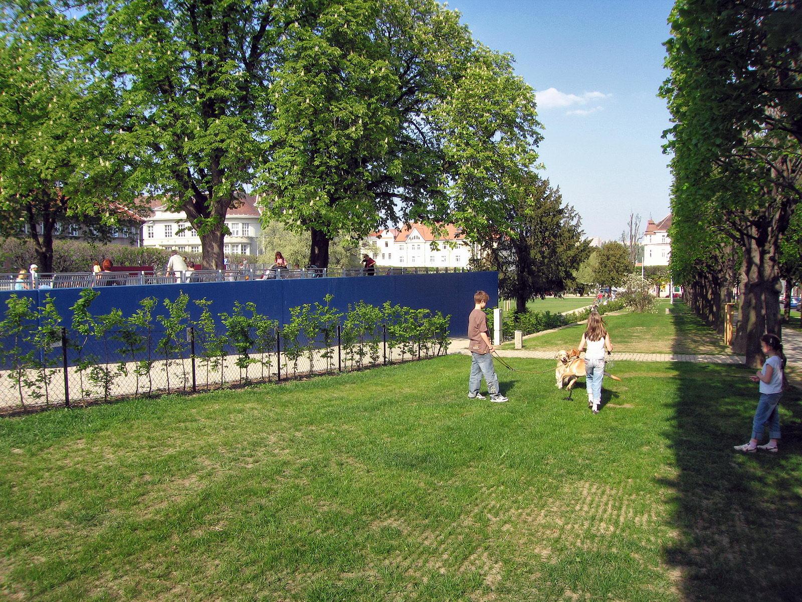 Park na Slovanském náměstí   Brno   02