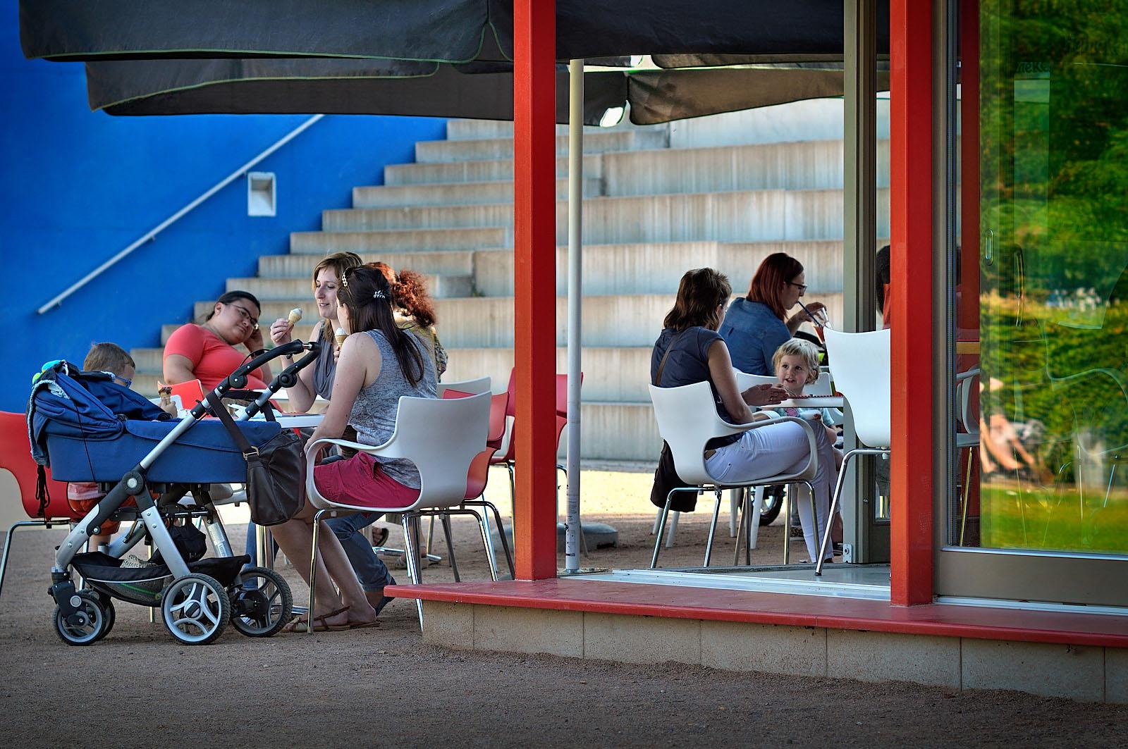 Kavárna v parku na Slovanském náměstí | Brno | 08